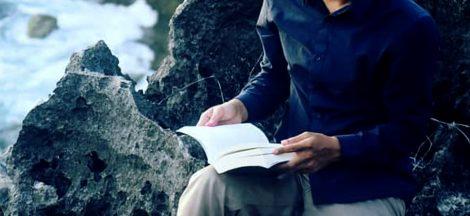 Manfaat Membaca Buku Fiksi