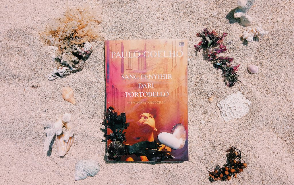 Review Sang Penyihir dari Portobello karya Paulo Coelho